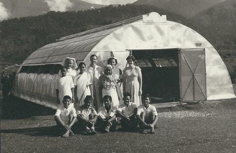 Shining-Hospital-and-nurses