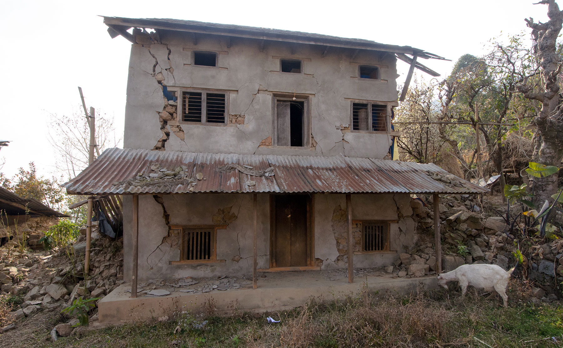Abandoned house in Amppipal