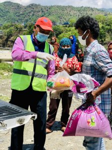 ACN distribute food packages to Nepalis who cannot work under lockdown